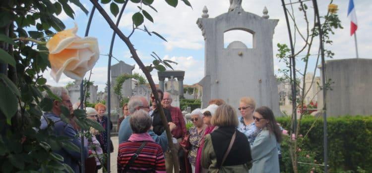 Chaponnay visite l'ancien cimetière